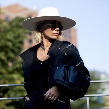 Los sombreros molan y el street style nos los muestra con siete looks para adaptar a nuestro día a día