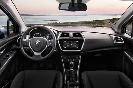 Suzuki S Cross 04 Interior