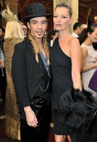 Galliano diseñará el vestido de boda de Kate Moss ¿su primer trabajo post-Dior?