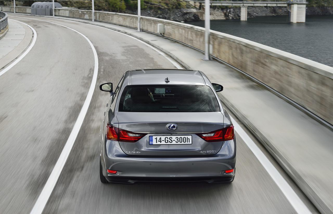 Foto de Lexus GS 300h (13/153)