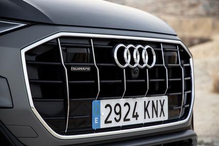 Audi Q8 parrilla