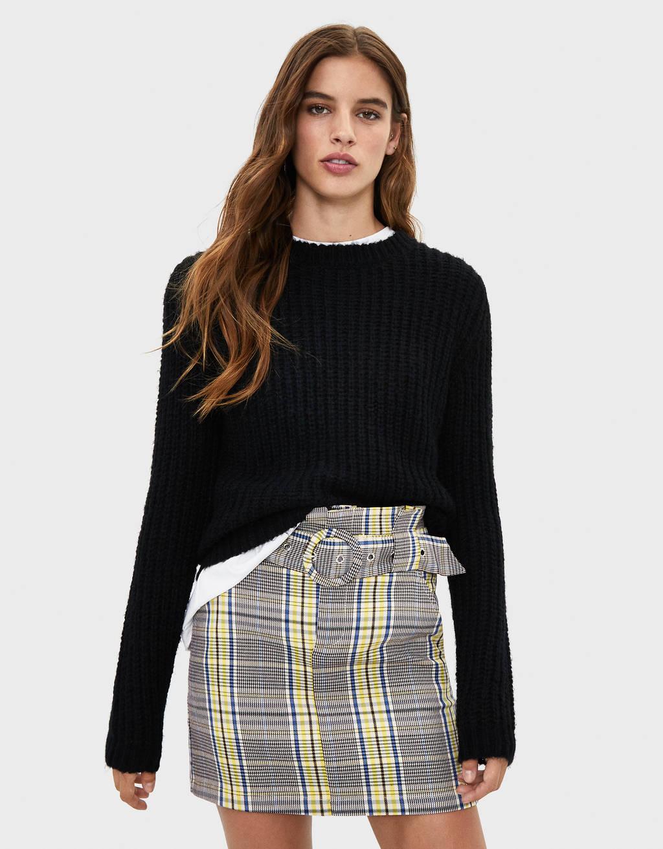 Minifalda de cuadros con cinturón