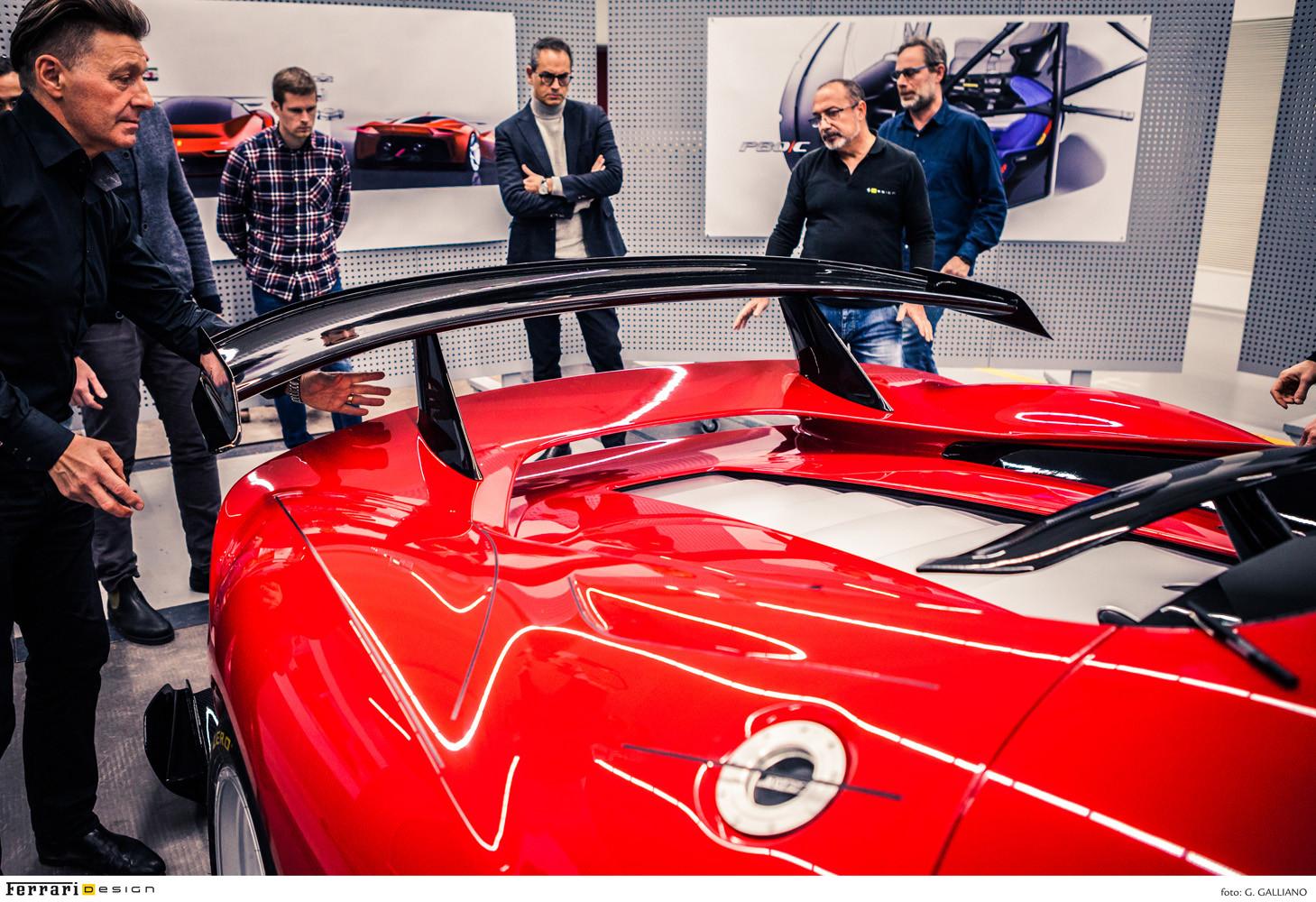 Foto de Ferrari P80/C (23/25)