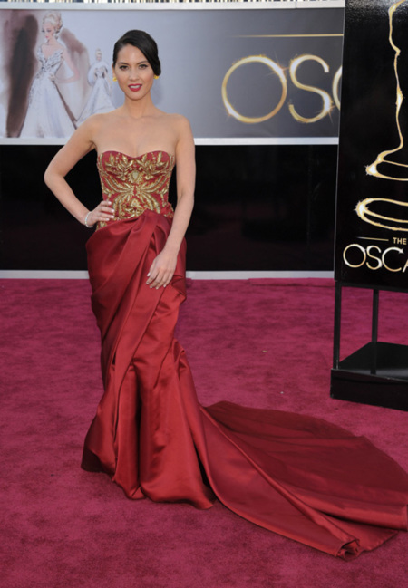 Olivia Munn Oscar 2013