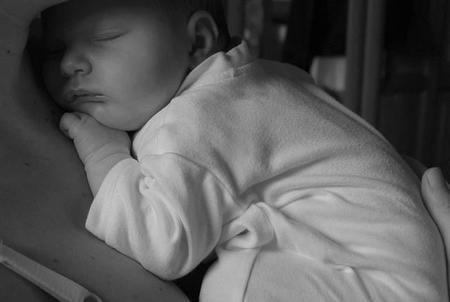 Las madres con depresión pueden perturbar el sueño de los bebés