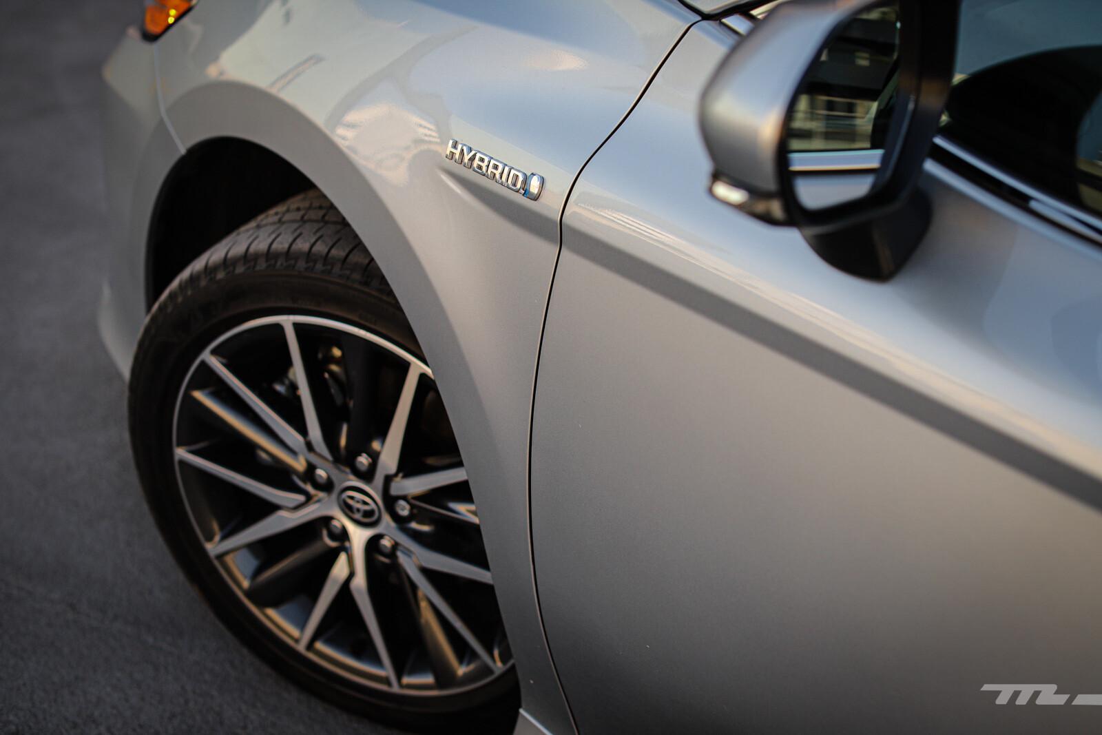 Foto de Toyota Camry Hybrid 2021 (24/38)