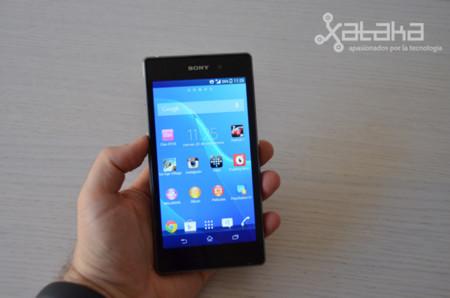 Sony Xperia Z1 en mano
