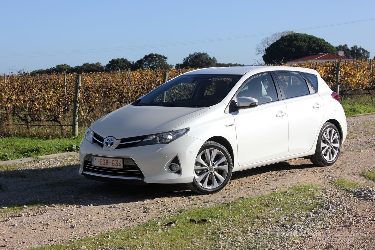 Foto de Toyota Auris Hybrid 2013 (18/21)