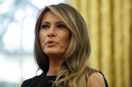 Melania Trump nos da razones para confiar (de nuevo) en ella gracias a este total look en negro
