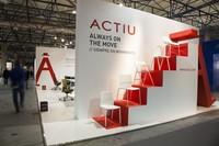 Diseño de Actiu y materiales de Cosentino en la nueva mesa Arkitek+Dekton® surface