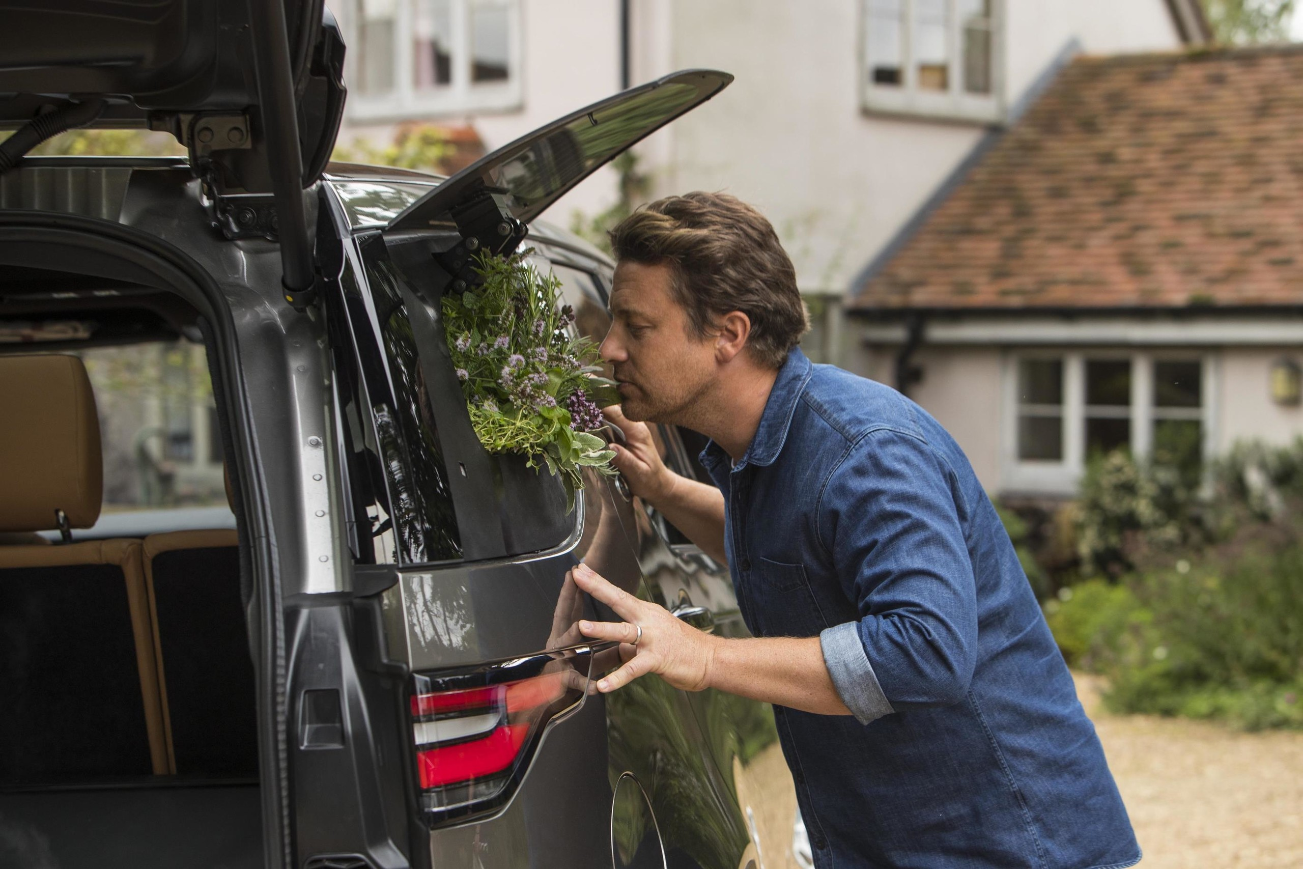 Foto de Land Rover Duscovery cocina ambulante (16/17)