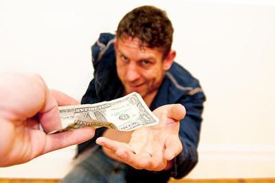 Los autónomos y empresas reciben menos financiación: 73.548 millones de euros menos