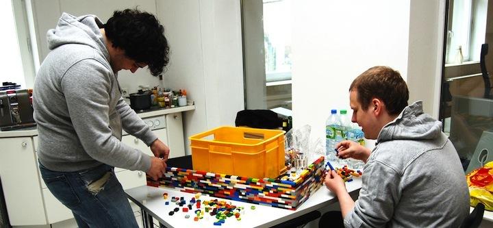 Foto de Separando espacios con un muro de lego (5/7)