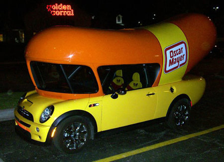 "Wienermobile Mini Cooper, un mini ""Hot Dog"" sobre ruedas"