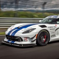 """7:01"": Lo que no viste del récord del Dodge Viper ACR en Nürburgring en 24 minutos de documental"