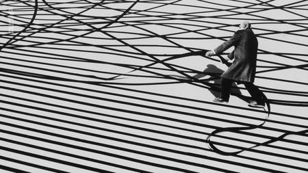 'Nada es imposible', el documental homenaje al maestro del fotomontaje Gilbert Garcin, en abierto por tiempo limitado