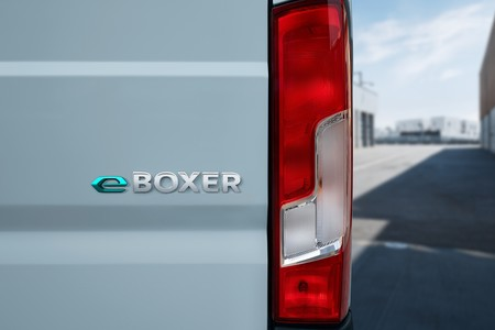 Peugeot E Boxer 2021 006