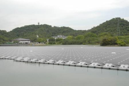 Así es la planta solar flotante más grande del mundo, Kyocera la ha estrenado en Japón