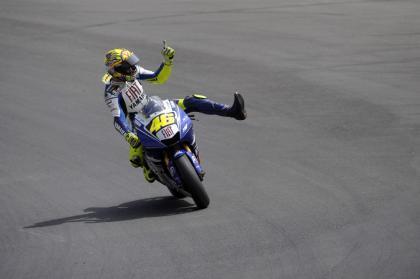 Rossi arrasa y Elías termina segundo en Brno