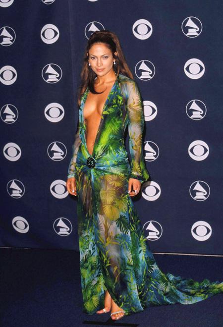 """Los Grammy quieren tapar los """"pechos"""" y los """"traseros"""" de las famosas. ¿Qué habría pasado con estos looks?"""