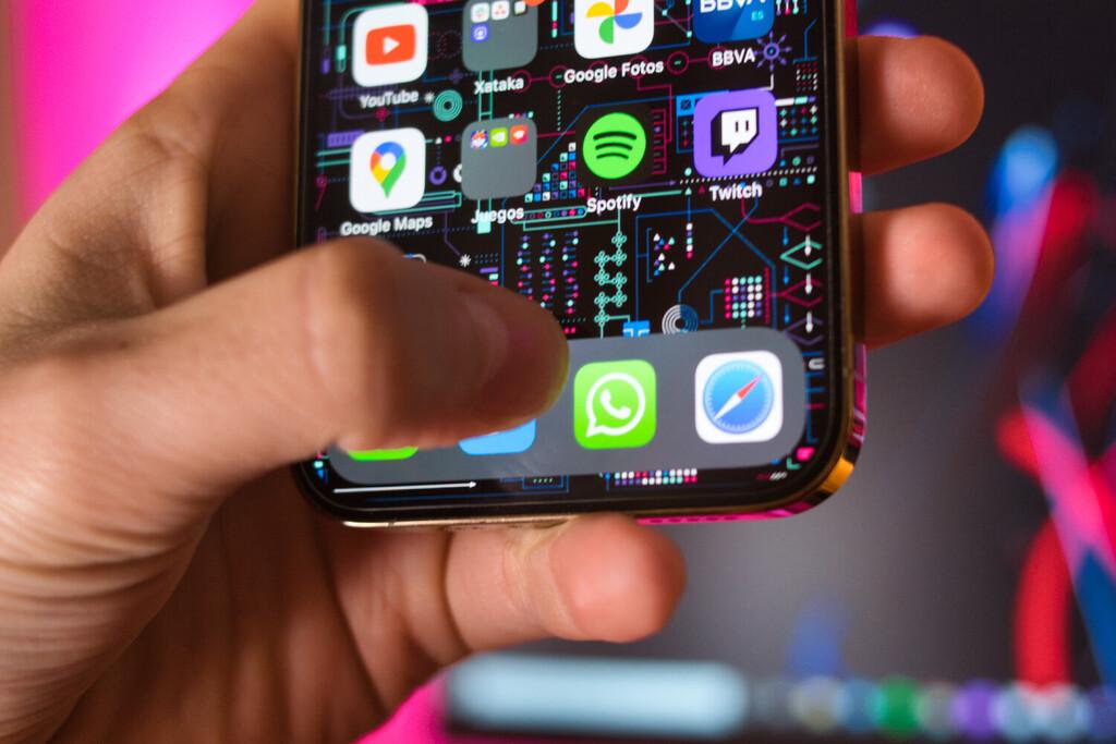 WhatsApp está trabajando en copias de seguridad en la nube cifradas mediante una contraseña