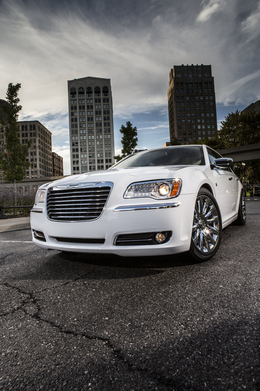 Foto de Chrysler 300C Motown Edition (13/21)