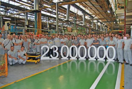 La factoría de Renault en Sevilla fabrica la caja de cambios número 23 millones