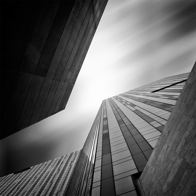 Arquitectura en blanco y negro, por Kevin Saint Grey