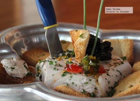Mousse de queso azul danés y vino tipo oporto