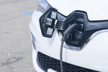 Por fin llegan las ayudas a Madrid, Valencia, Navarra y Ceuta: activado el Plan MOVES III para la compra de coches eléctricos