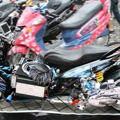 miri-city-bike-week-el-tuning-llevado-al-extremo-sobre-un-scooter