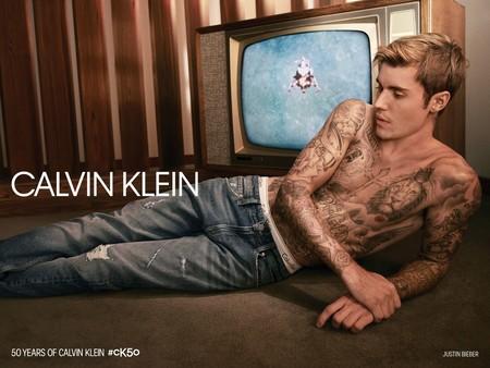 Calvin Klein Celebra 50 Anos De Estilo Con Una Campana Y Coleccion De Edicion Limitada 03