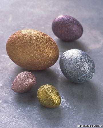 Huevos de Pascua brillantes para hacer con los niños