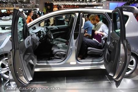 Opel Meriva: ¿merecen la pena sus puertas FlexDoors?