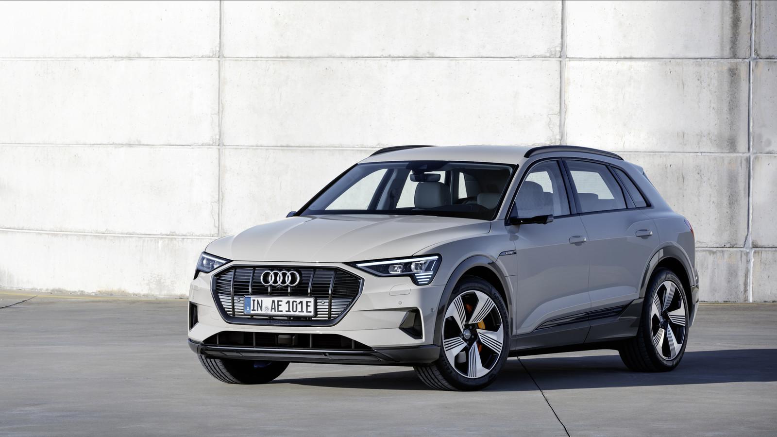 Foto de Audi e-tron (18/37)
