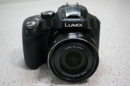 Panasonic Lumix FZ72 Frontal