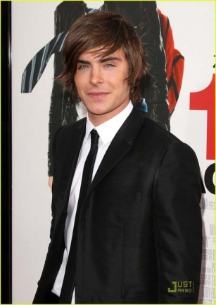 Zac Efron en la premiere en  Hollywood de '17 Again'