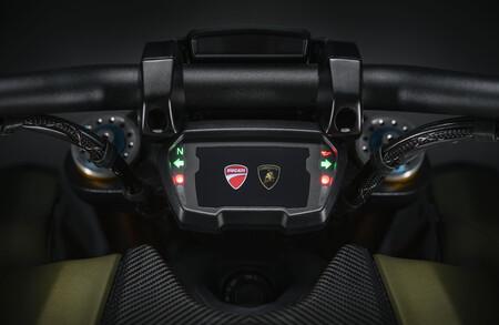 Ducati Diavel 1260 Lamborghini 2021 1