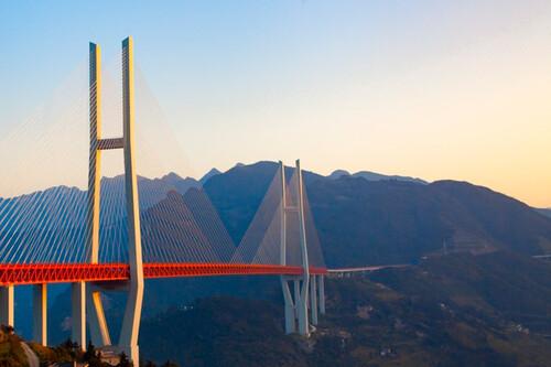 Los puentes más altos del mundo: seis titanes nacidos para mejorar los viajes en coche