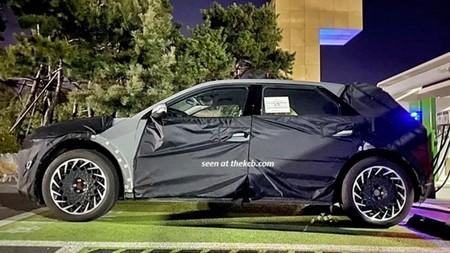 ¡Pillado! El Hyundai 45 eléctrico ya está en fase de pruebas: compacto, tracción trasera (o total) y estilo retro