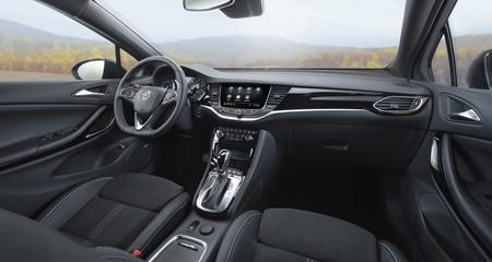 Opel Astra 2020 interior