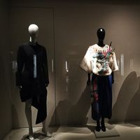 El Museo del Traje de Madrid reabre su exposición permanente con muchas novedades y no nos las queremos perder