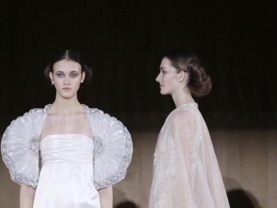 El desfile de Chanel Alta Costura Primavera-Verano 2016 da que hablar con sus diseños y su puesta en escena