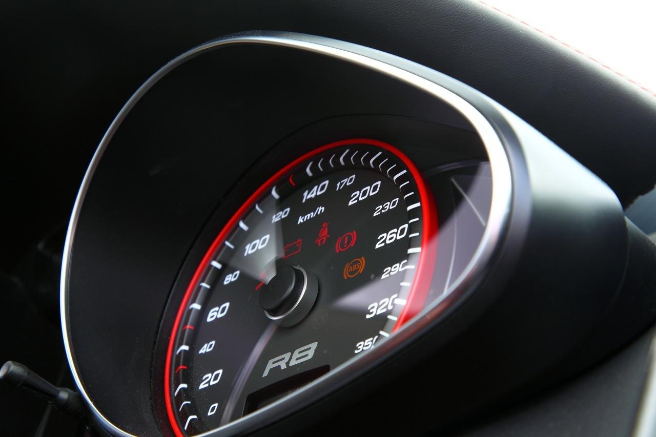 Foto de Audi R8 Spyder (44/88)