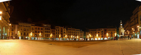 02-plaza-mayor-de-vic-de-surfzone.jpg
