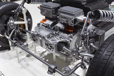 Mercedes-Benz SLS AMG E-Cell Tren de rodaje