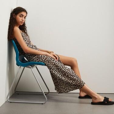 """H&M ruge ante la llegada del verano: nueve prendas que """"rescatan"""" el estampado de leopardo"""