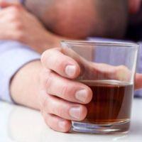 Algunos peligros y riesgos del consumo excesivo de alcohol, estudio reciente