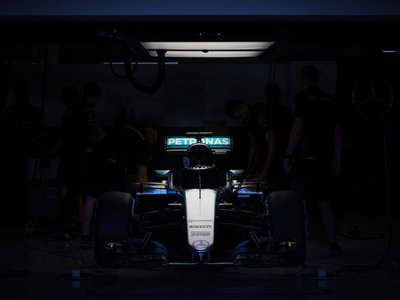 Se busca piloto para Mercedes, razón aquí