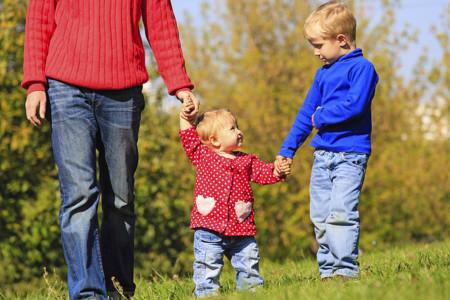 El bebé empieza a caminar: consejos para ayudarle en sus primeros pasos